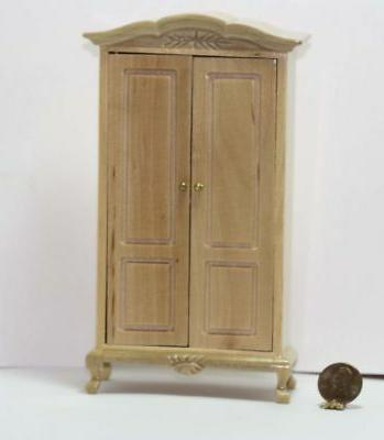 armoire wood